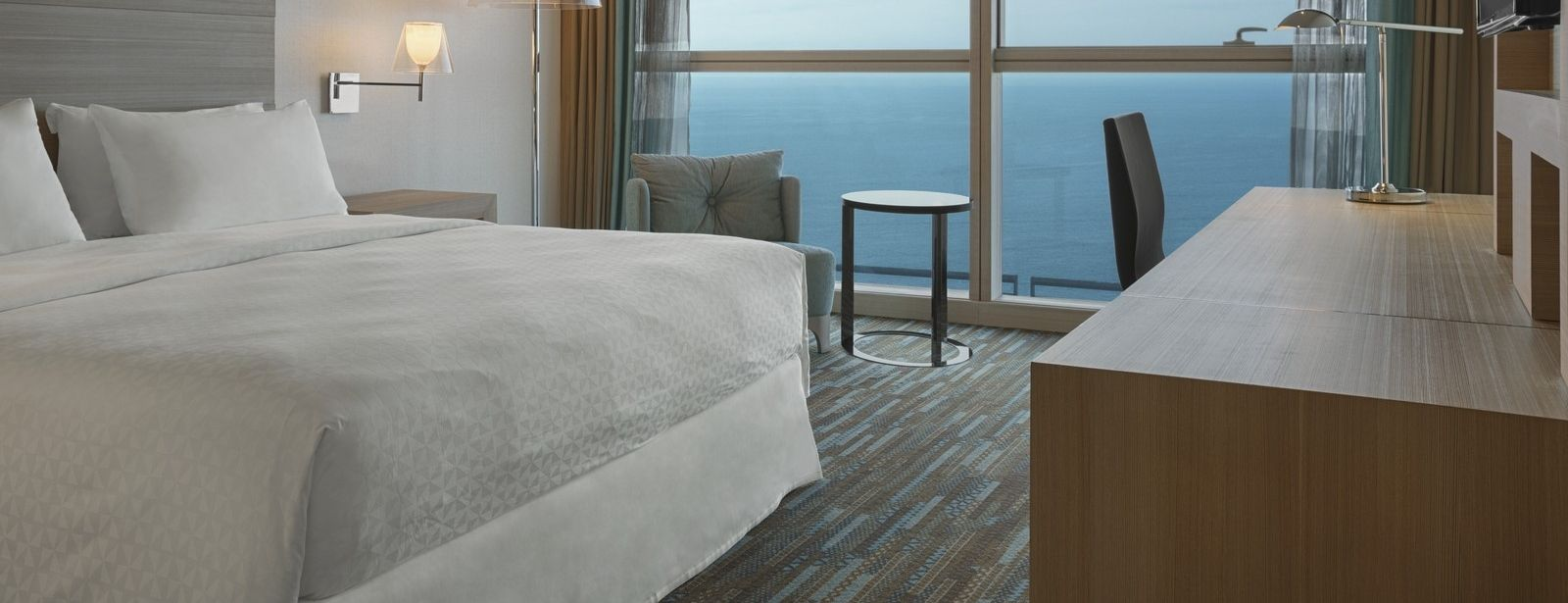 Four points by sheraton oran chambre premium for Chambre 0 decibel